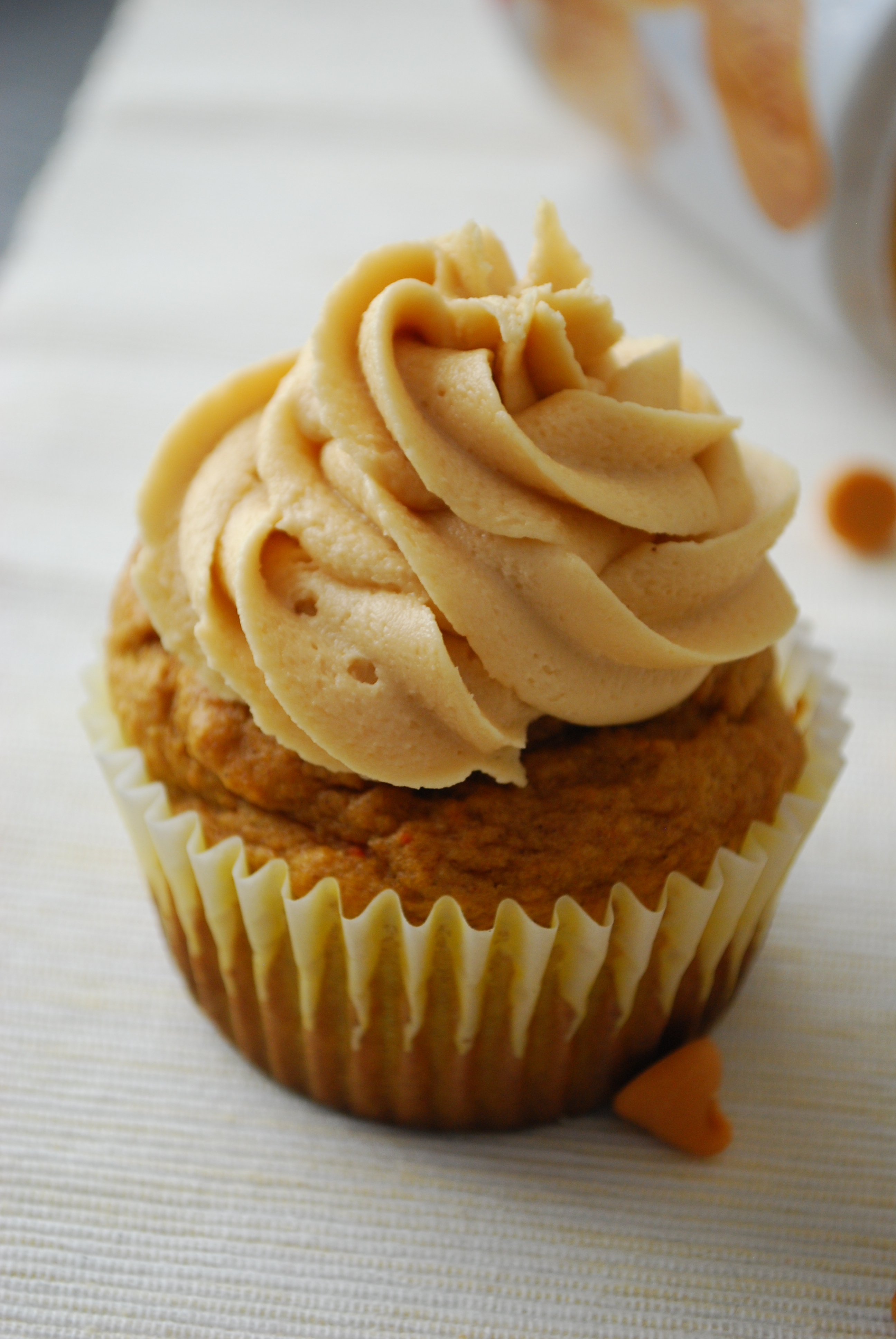 Pumpkin Butterscotch Cupcakes with Biscoff Marshmallow ...